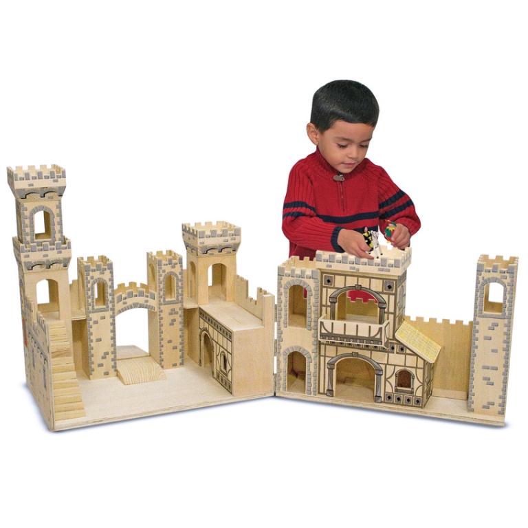 Игрушки своими руками для мальчиков из замков